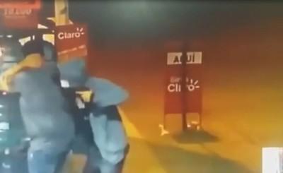 Raptan a un hombre para robarle su automóvil