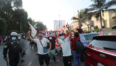 Insólito: Perú reanudó la temporada, pero en el mismo día suspendió nuevamente el torneo