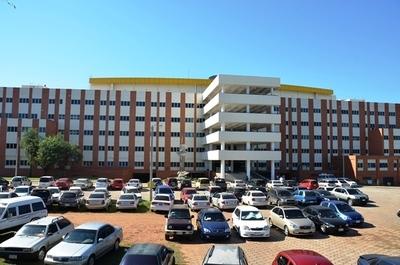 Denuncian falta de insumos en Hospital de Clínicas y retrasos en testeos de Covid-19