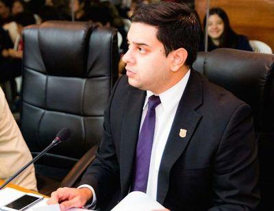 Ferreiro malgastó indebidamente recursos que pudieron ser direccionados para el beneficio de los contribuyentes, según concejal