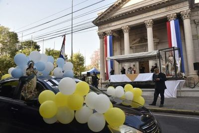 Realizan caravana en honor a la Virgen de la Asunción en el centro capitalino