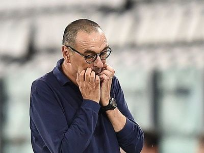 Juventus destituye a Sarri