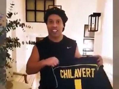 El regalo de Chilavert a Ronaldinho