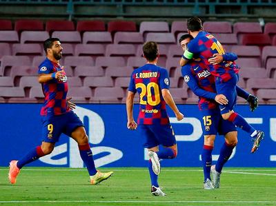 Barcelona deja fuera a Napoli y espera por Bayern