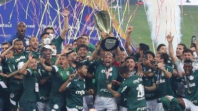 Gustavo Gómez es campeón del Paulistão con Palmeiras
