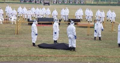 Militares entrenan para manejo de cadáveres de fallecidos por COVID-19