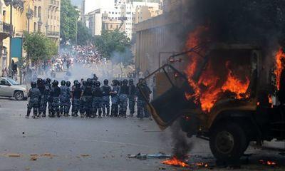 Violentas manifestaciones en Beirut deja más de 170 heridos y un policía fallecido