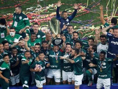 Palmeiras, con Gustavo Gómez, conquista el campeonato Paulista