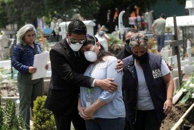 México sobrepasa las 52,000 muertes por coronavirus