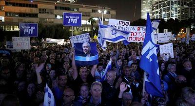 Miles de israelíes se manifiestan de nuevo contra Netanyahu en gran protesta