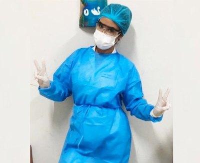 Atiende a pacientes en contingencia de covid