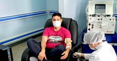 El primer donante de plasma en el país es un médico de CDE