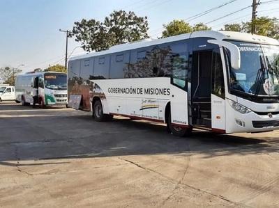 Unos 70 connacionales llegan al país desde Argentina