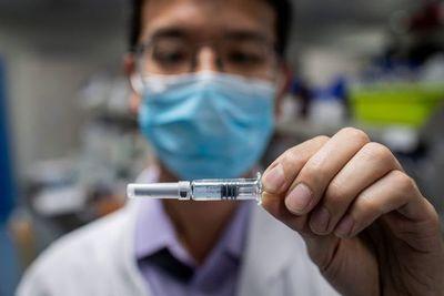 Uno de cada 3 estadounidenses no se vacunaría contra Covid