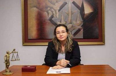Condena de 14 años a abogado que abusó sexualmente de su hijastra
