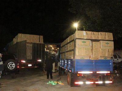 12 personas detenidas en incautación de 30 toneladas de productos de contrabando