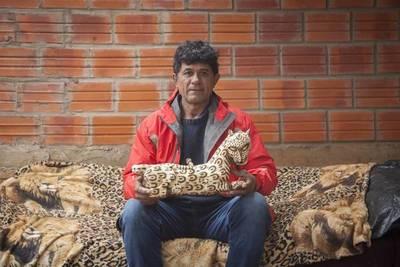 EL ESCULTOR INDÍGENA DE PARAGUAY QUE LLEVÓ SU ARTE HASTA UN PUEBLO ANDALUZ