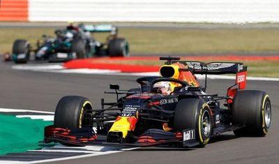 Verstappen corta la racha de Mercedes y triunfa en Silverstone