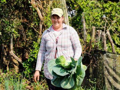 Mujeres de Tekoporã emprenden y hacen delivery de productos por Covid-19