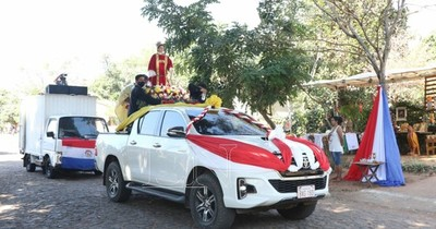 Fiesta patronal en Altos, con recorrido de su santo patrono por las calles
