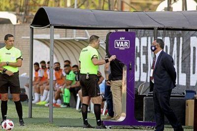 El audio del VAR en el gol anulado a General Díaz contra Olimpia