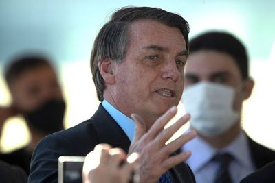 Bolsonaro habla sobre las 100.000 muertes por COVID, pero critica a los medios