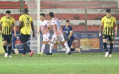 VAR, penal y expulsiones en el empate entre San Lorenzo y Guaraní