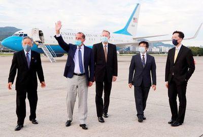 Llega a Taiwán histórica misión de Estados Unidos