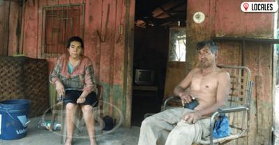 Solicitan ayuda para una pareja que vive en una extrema pobreza