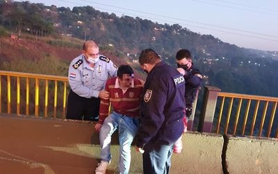 Policías rescatan a joven que  amenazaba con autoeliminarse – Diario TNPRESS