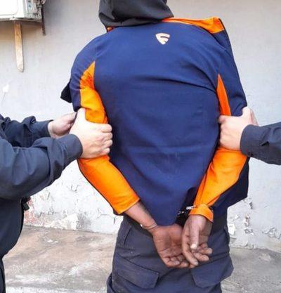Joven debía cumplir arresto domicilio  pero armado con estoque salió a asaltar – Diario TNPRESS
