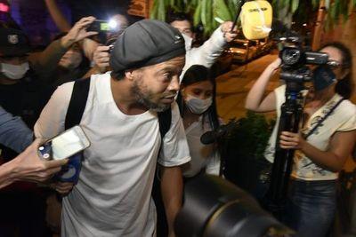 Caso Ronaldinho: juez tiene hasta 20 días para convocar audiencia