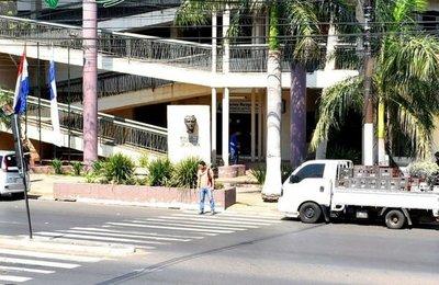 Confirman caso positivo en la municipalidad de Fernando de la Mora · Radio Monumental 1080 AM