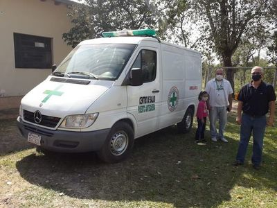Ciudadanos se organizan para reparar ambulancia ante inoperancia del Ministerio de Salud