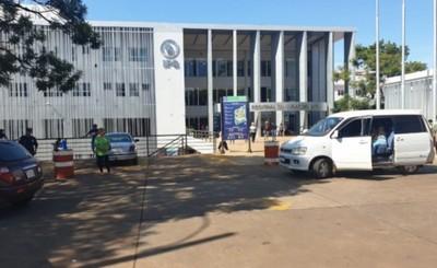 Denuncian falta de insumos para realizar el hisopado en el IPS-CDE