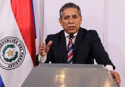 """Gabinete de Abdo Benítez es para """"salvarse del descenso"""", afirma exasesor"""