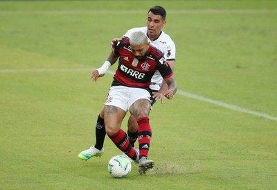 Junior Alonso 'enloquece' a los hinchas de Mineiro