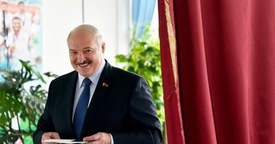 El presidente Lukashenko gana la elección presidencial con 80,23% de los votos