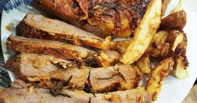 Carne envuelta en aluminio para cocinar al horno