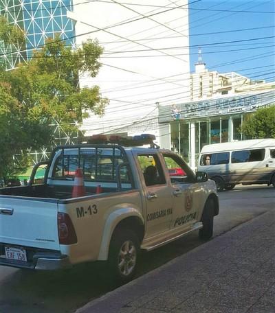 """Guardia """"PRIVADA"""" con PATRULLERA incluida de la Policía Nacional"""