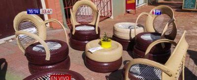 Adolescentes del Centro Educativo de Cambyretá realizan sillones y planteras