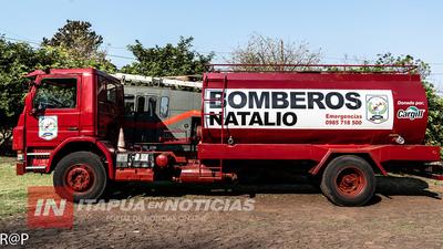 BOMBEROS DE NATALIO RECIBIERON FLAMANTE CAMIÓN CISTERNA EN DONACIÓN