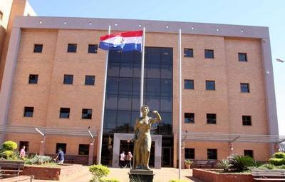 Tribunal absuelve de culpa y pena a cura acosador