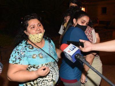 """""""Una tiene que ser violada para que se le haga caso"""", lamenta madre de joven que denunció acoso"""