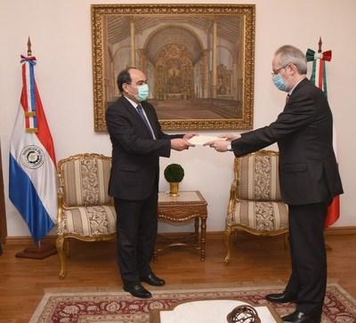 Nuevo embajador italiano presenta cartas credenciales ante Cancillería