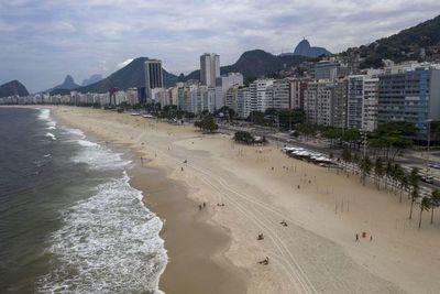 Río quiere que bañistas reserven con una app su lugar en la playa