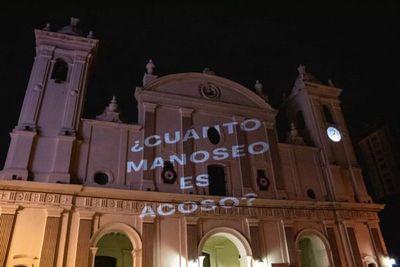 Víctima de acoso sexual tendrá que pagar al abogado de la Iglesia Católica
