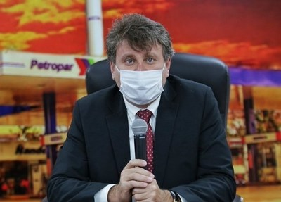 Denis Lichi, titular de Petropar, da positivo a Covid-19