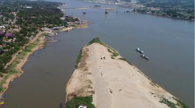 Fiscal confirma que seguirá investigando sobre extracción de arena del Islote.