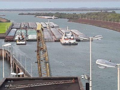 Barcazas comenzaron a navegar rumbo a puertos argentinos